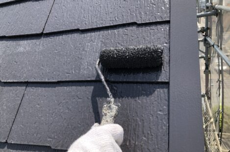 外壁塗装 春日井市 屋根遮熱塗料サーモアイSi 上塗り